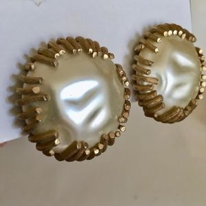 Sarah Coventry Vintage Clip On Earrings